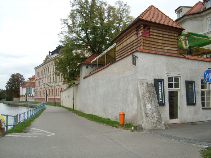 The building on the corner is Potrefená Husa pub